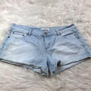 BONGO Light Wash Jean Shorts Size 13